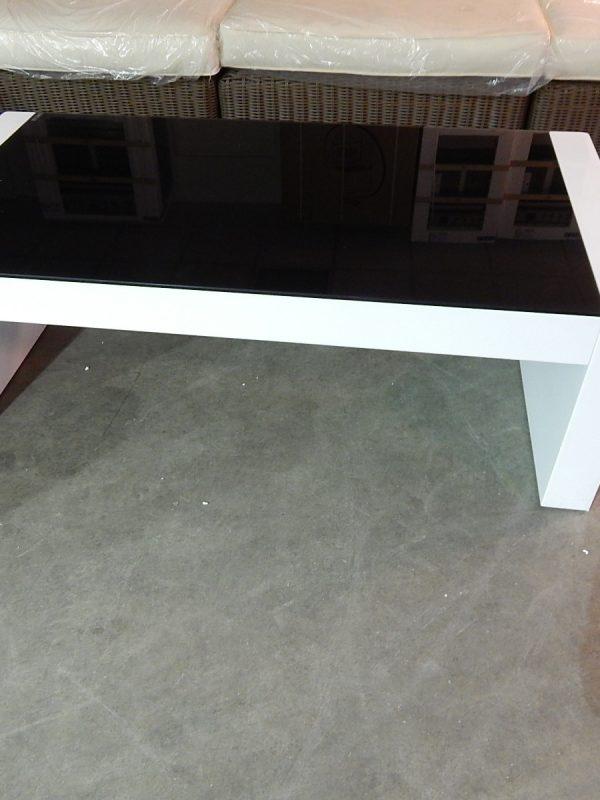 Witte salontafel met zwart glas 5