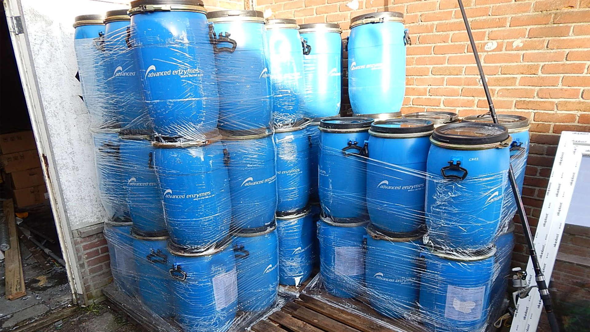 Blauw kunststof vat