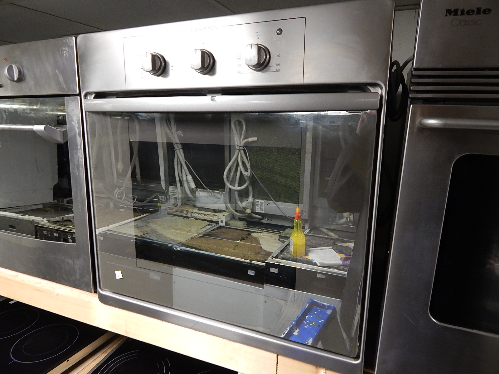 ARISTON INBOUW OVEN