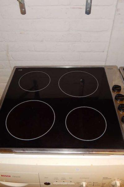 Gebruikte keramische kookplaat