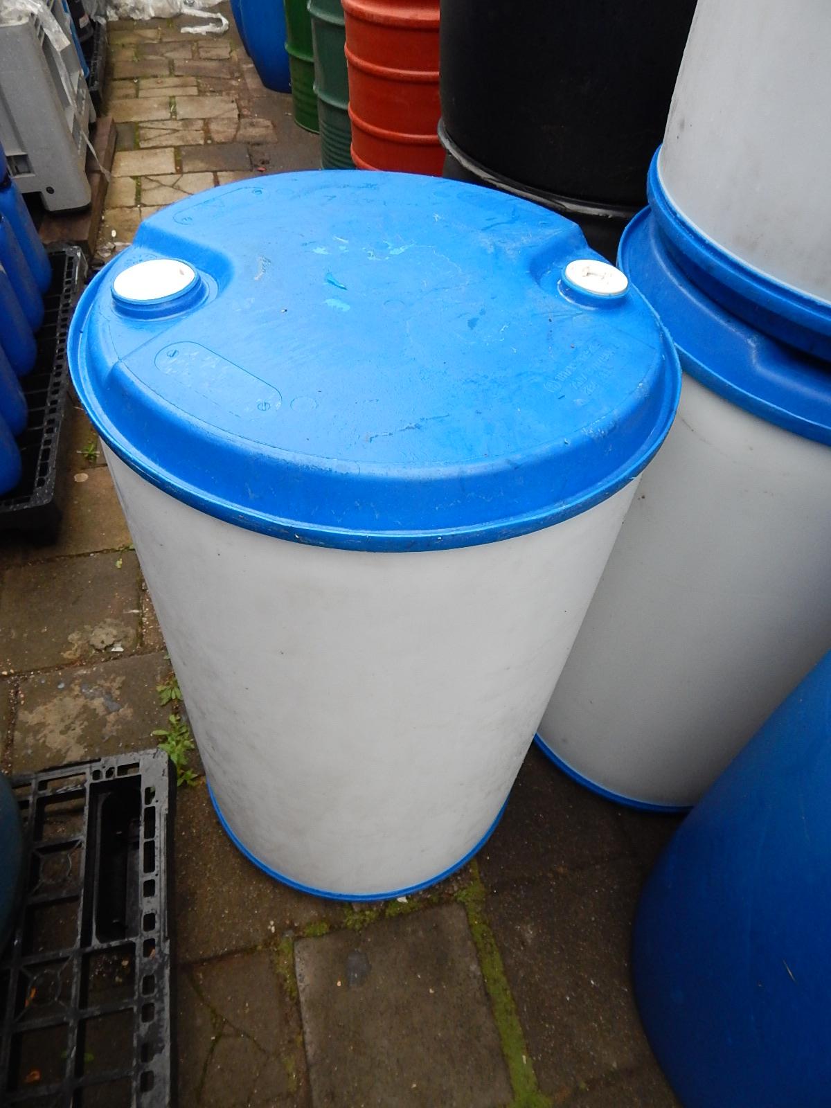 220 liter blauw witte tonnen