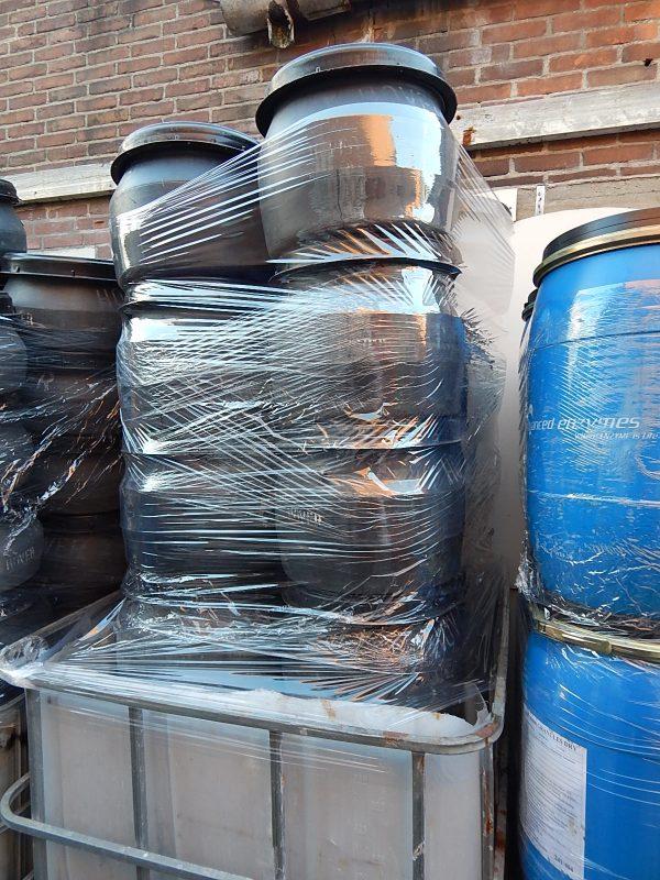 zwarte 25 liter tonnen